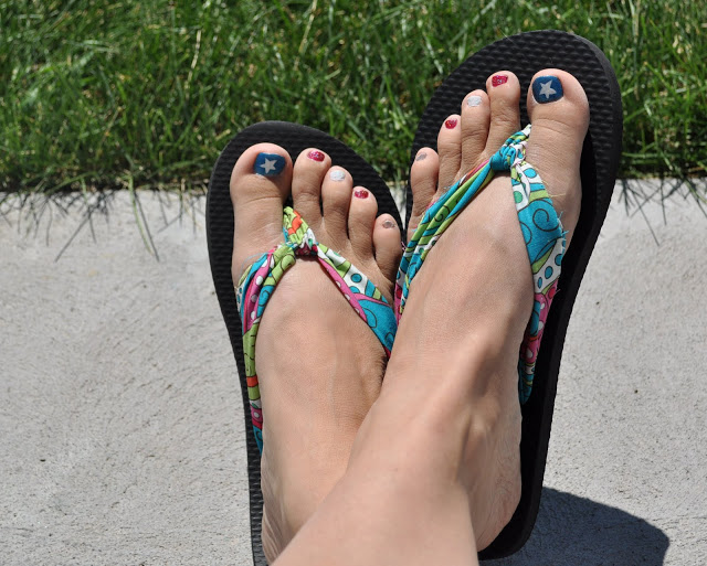 Great Summer Fashion DIY – Make Your Own Fabric Flip-Flops