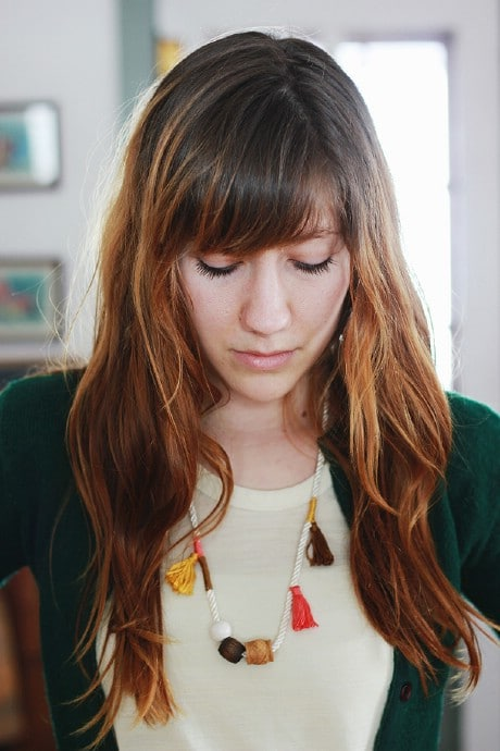 Anthro Inspired Tassel Necklace. - 32 Brilliant DIY Anthropologie Knockoffs