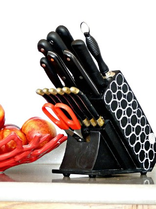 DIY Chalkboard Knife Block - 60+ Innovative Kitchen Organization and Storage DIY Projects