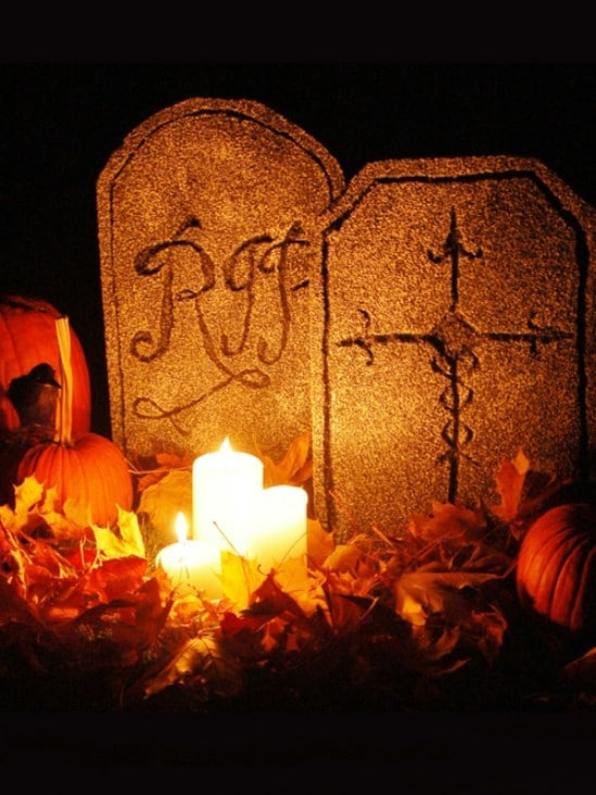 Yard Tombstones - 40 Easy to Make DIY Halloween Decor Ideas