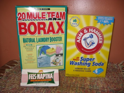 Give Laundry a Boost - Top 10 Most Creative Household Uses for Borax