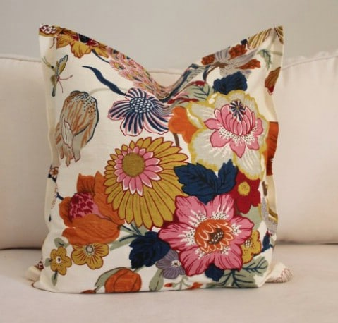 No Sew Pillow - 30 Extremely Creative No-Sew DIY Projects
