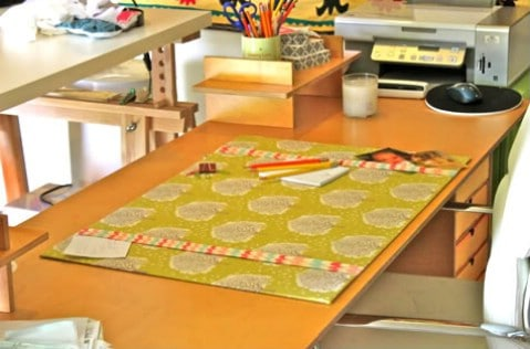 Fabric Desk Blotter - 30 Extremely Creative No-Sew DIY Projects