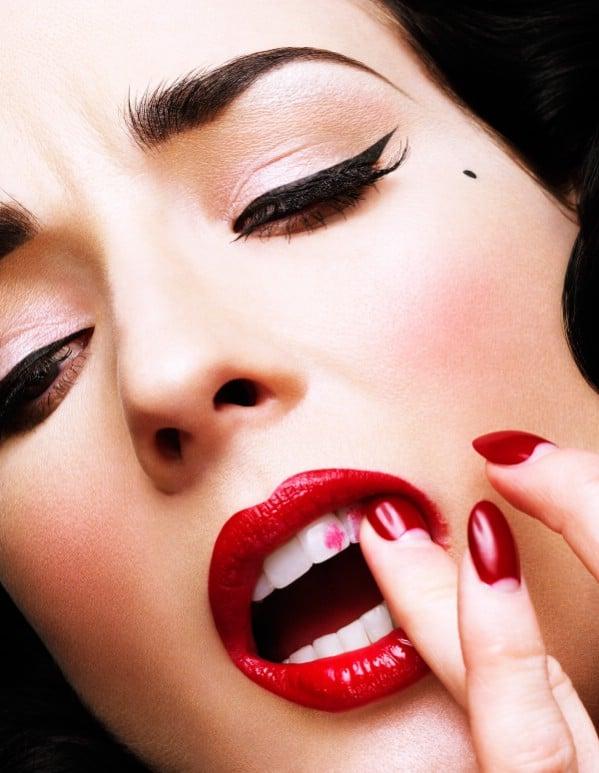 Keep Lipstick Off Teeth - 40 DIY Beauty Hacks That Are Borderline Genius