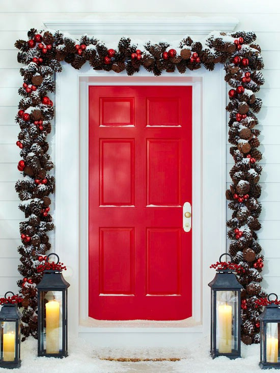 Pinecone Garland - 60 Beautifully Festive Ways to Decorate Your Porch for Christmas
