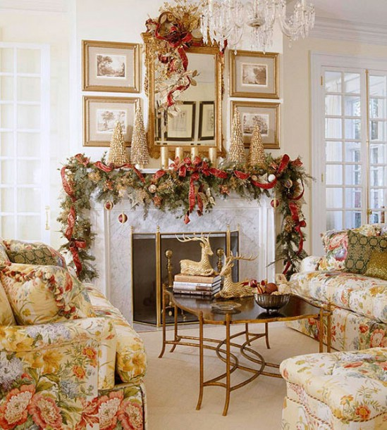 Pine Garland - 30 Stunning Ways to Decorate Your Living Room This Christmas