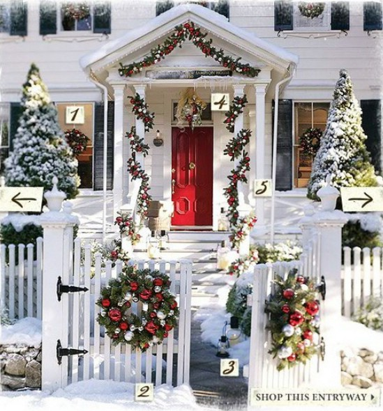 Use Untraditional Colors - 60 Beautifully Festive Ways to Decorate Your Porch for Christmas