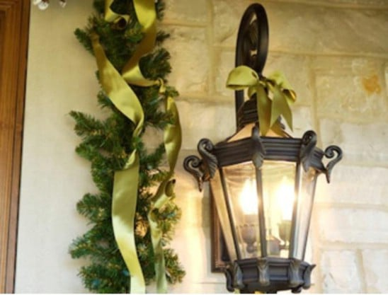 Fruits and Ribbon - 60 Beautifully Festive Ways to Decorate Your Porch for Christmas