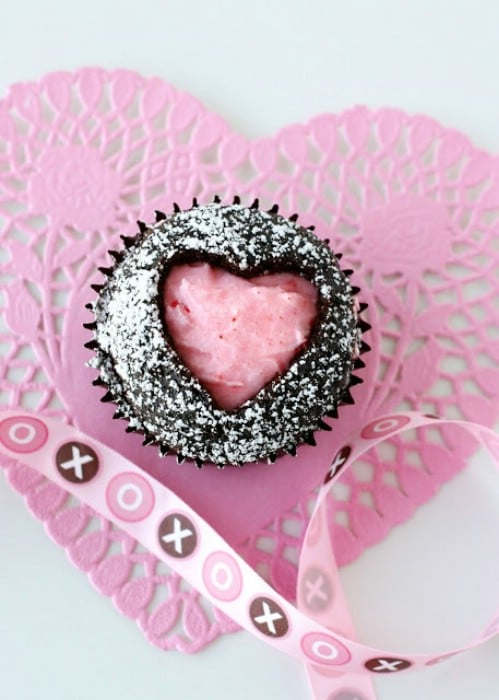 11-sweetheart-cupcakes - 20 Tasty and Romantic Valentine's Day Treats You Will Love