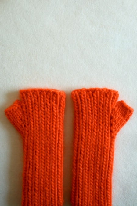 Hand Warmers - 30 Super Easy Knitting and Crochet Patterns for Beginners
