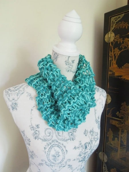 The Afternoon Scarf - 30 Super Easy Knitting and Crochet Patterns for Beginners