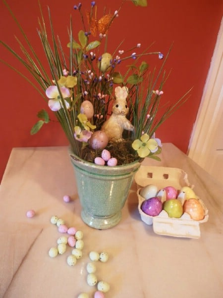 Peter Cottontail Centerpiece - 40 Beautiful DIY Easter Centerpieces to Dress Up Your Dinner Table