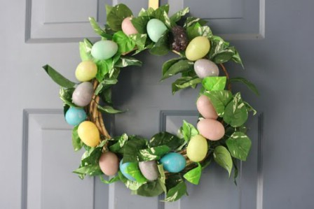 $4 Easter Wreath - 40 Creative DIY Easter Wreath Ideas to Beautify Your Home