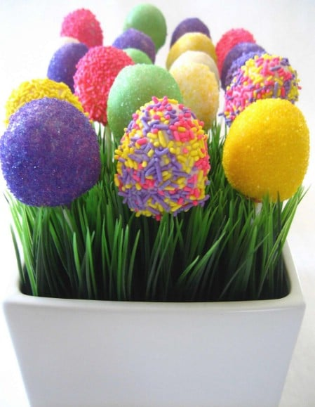Easter Egg Cake Pops - 100 Easy and Delicious Easter Treats and Desserts