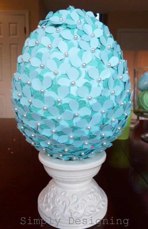 Flowered Egg Topiary - 80 Fabulous Easter Decorations You Can Make Yourself