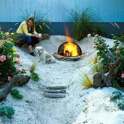 Beach Garden - 40 Genius Space-Savvy Small Garden Ideas and Solutions