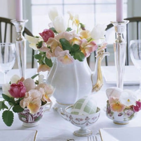 Teapot Flower Display - 40 Beautiful DIY Easter Centerpieces to Dress Up Your Dinner Table