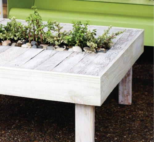 Living Pallet Table - 40 Genius Space-Savvy Small Garden Ideas and Solutions