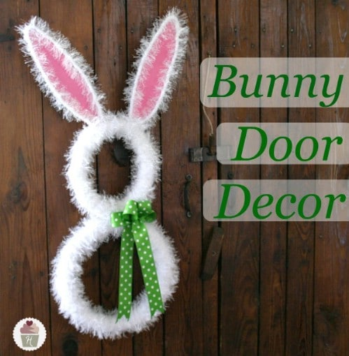 Bunny Door Décor - 80 Fabulous Easter Decorations You Can Make Yourself