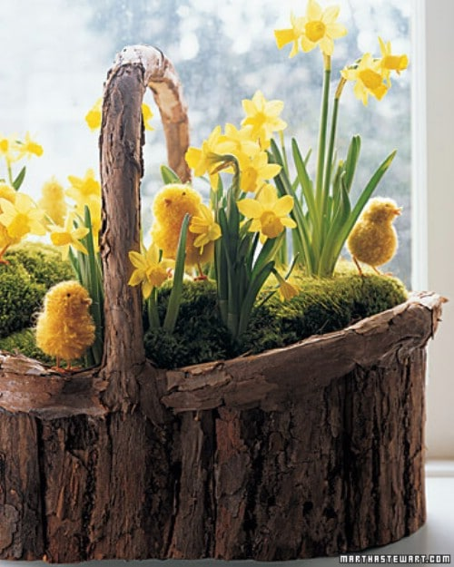 Daffodils and Pom Pom Chicks - 80 Fabulous Easter Decorations You Can Make Yourself