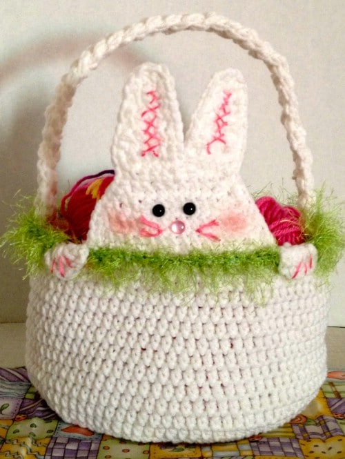 Crocheted Easter Basket - 80 Fabulous Easter Decorations You Can Make Yourself
