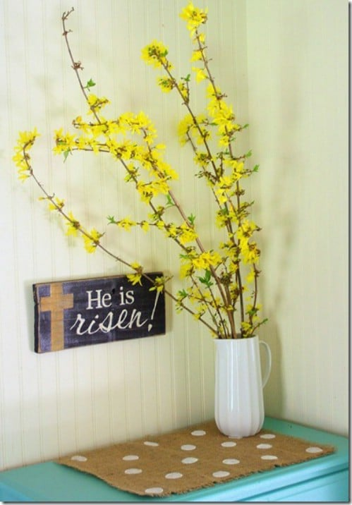 Rustic Signage - 80 Fabulous Easter Decorations You Can Make Yourself