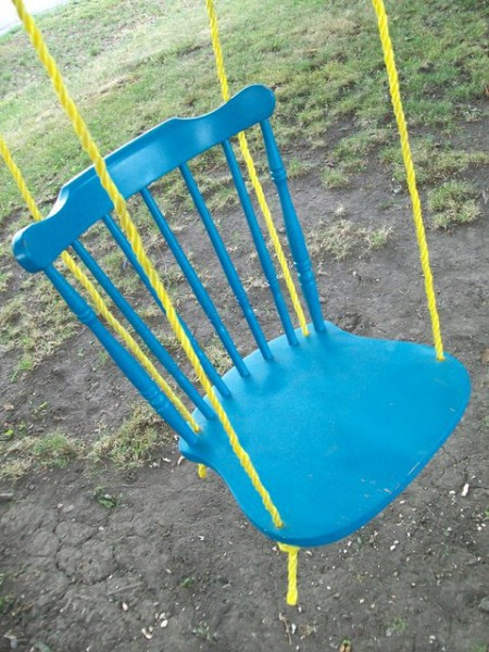 Turn Broken Chairs Into Lawn Swings