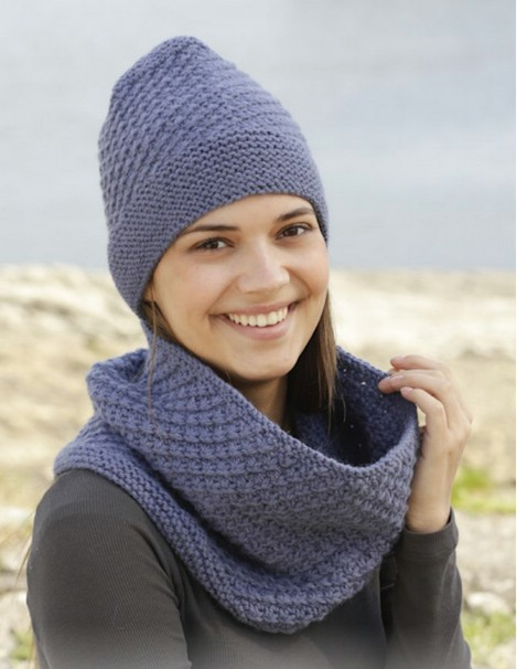 Loose and comfortable hat and scarf set