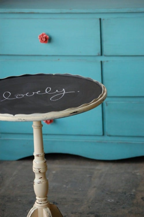 Decorate a table.