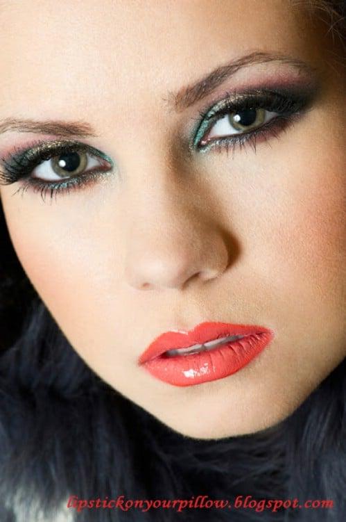 Christmas Colors - 10 Stylishly FestiveChristmas Makeup Ideas