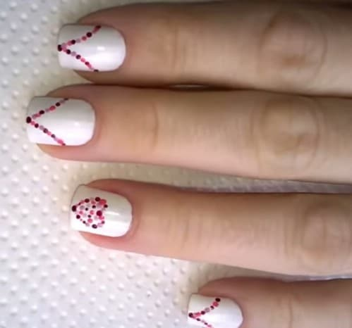 Dotted Hearts - 20 Ridiculously Cute Valentine's Day Nail Art Designs