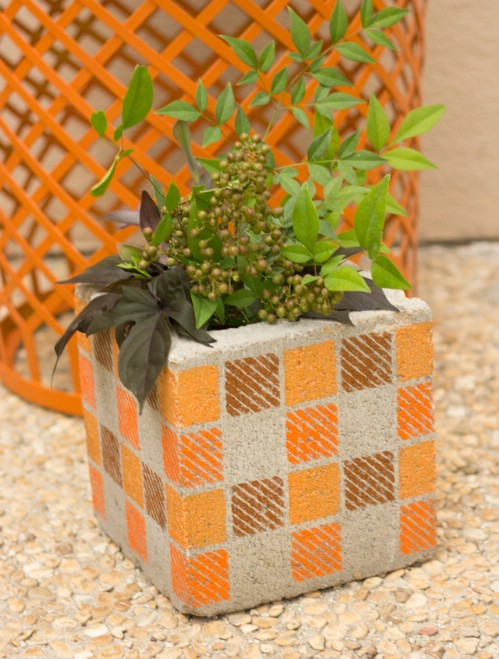 Concrete Vase - 17 Creative Ways to Use Concrete Blocks in Your Home