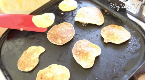 Quick, Healthy, Natural Pancakes from Just Two Ingredients!