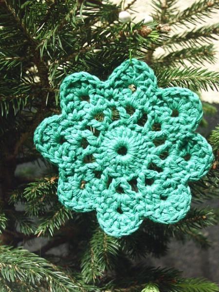 Make crochet snowflake ornaments for next Christmas