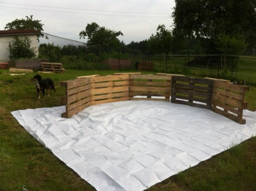 How Make Your Own Pallet Pool – Beat the Heat and Splash Around in Style! - Step 1