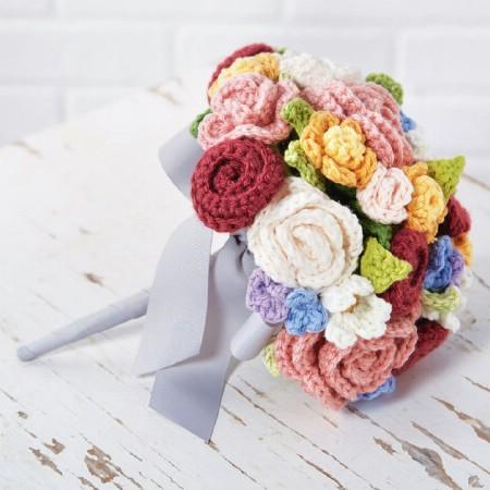 Yarn floral bouquet