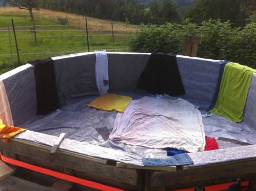 How Make Your Own Pallet Pool – Beat the Heat and Splash Around in Style! - Step 3