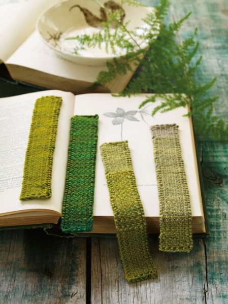 Simple knitted bookmarks