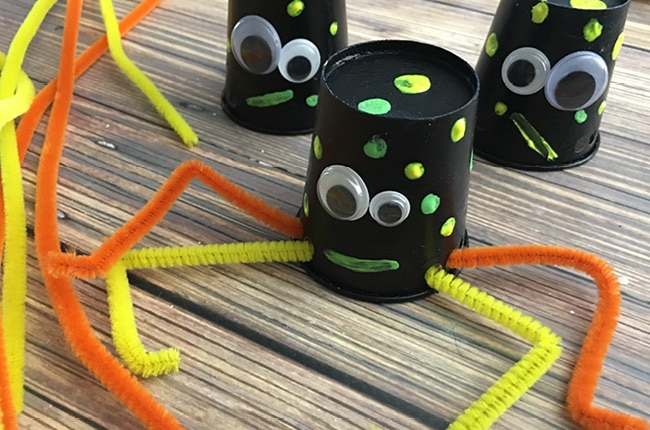 Spiders craft on wood table