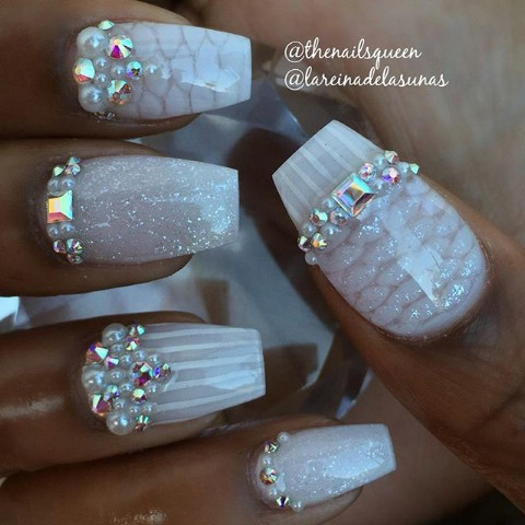Wedding glamour nails