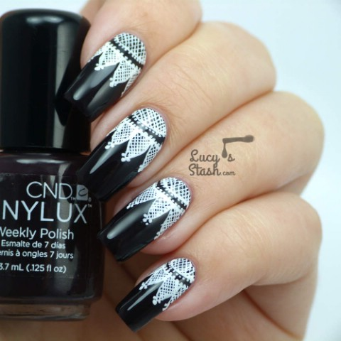 High contrast lacey nails