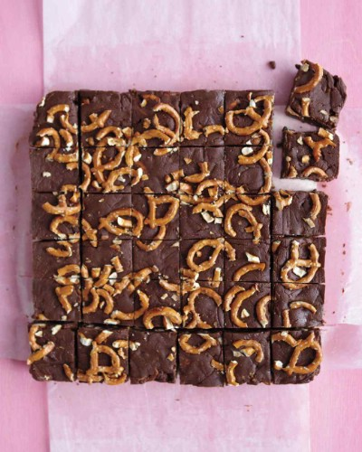 Chocolate Fudge with Pretzels