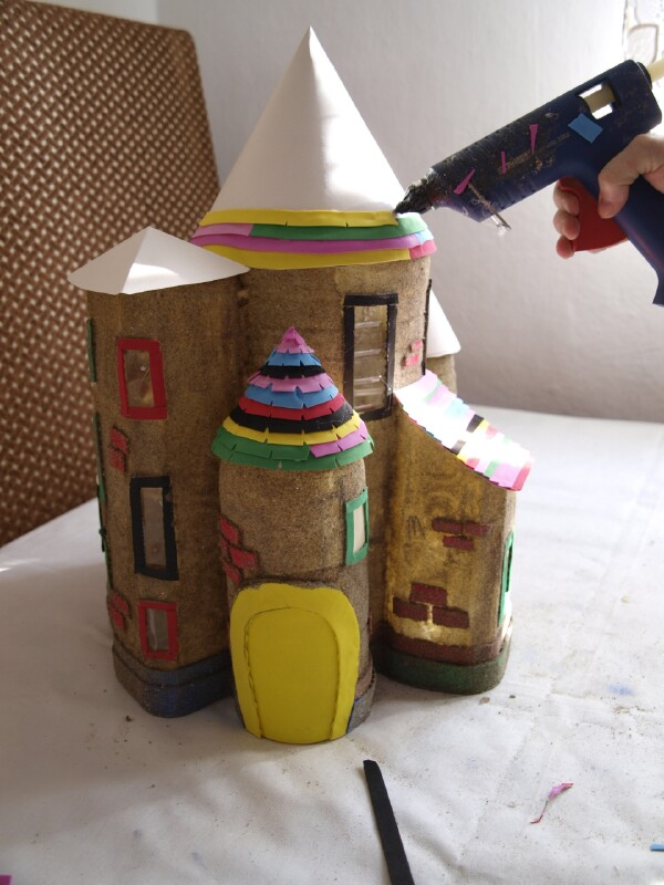 How To Make A Magical Fairy Castle Out Of Plastic Bottles