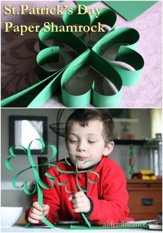 Easy DIY Paper Shamrocks