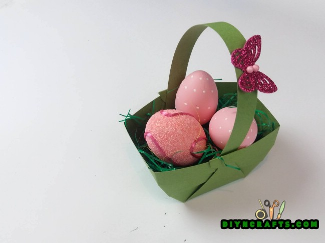 Step 6 - Here Is How to Make a Beautiful Easter Basket … Out of Paper!