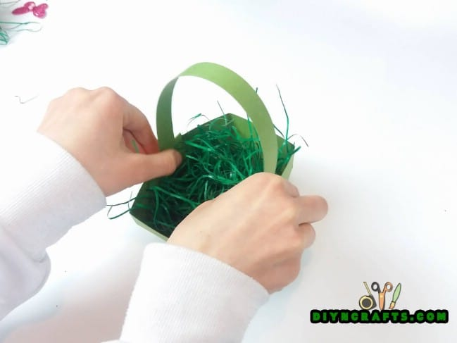Step 5 - Here Is How to Make a Beautiful Easter Basket … Out of Paper!