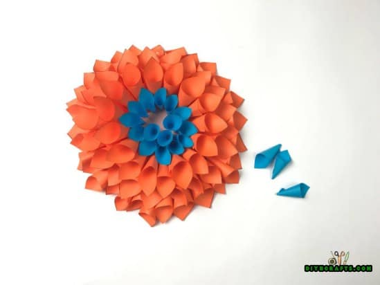 Steps - How to Make a Stunning Flowery Wreath Out of Nothing More Than Paper