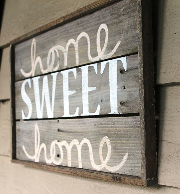 50 Wood Signs That Will Add Rustic Charm To Your Home Decor Diy
