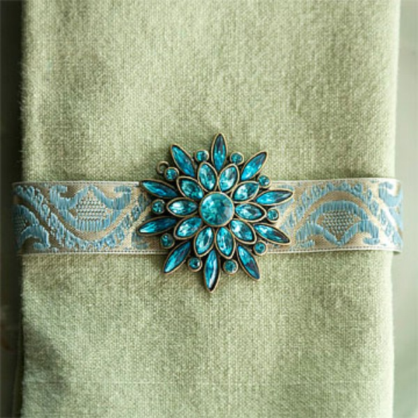 Easy DIY Bejeweled Napkin Rings