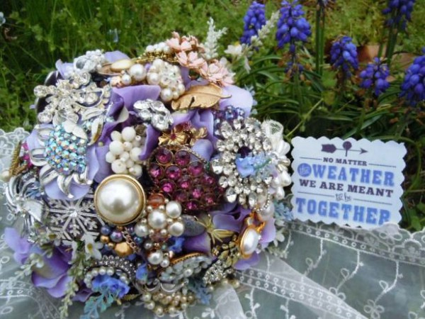 Beautiful DIY Jewelry Wedding Bouquet